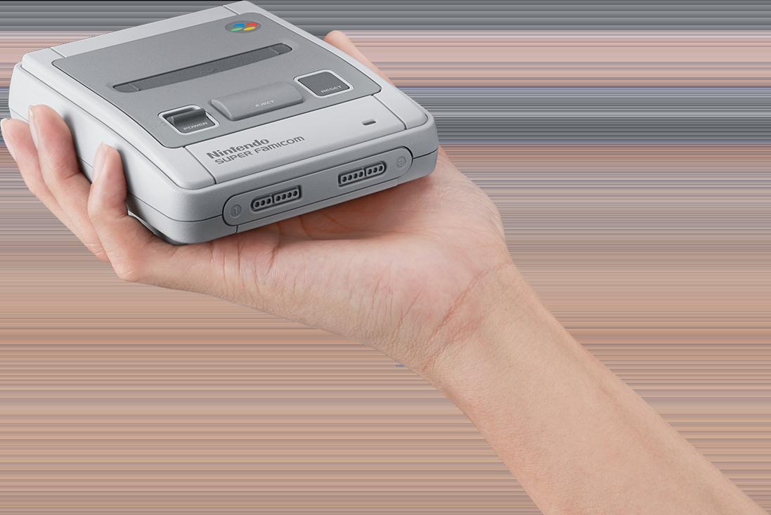 手のひらに収まるほどコンパクトな、スーパーファミコンの本体。