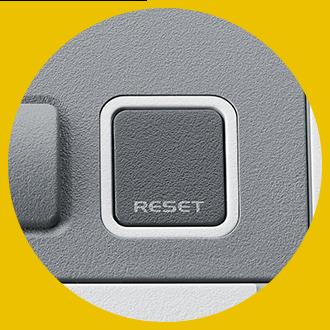 機身的「Reset」掣,可隨時儲存進度及回帶重玩,打大佬過關容易得多!