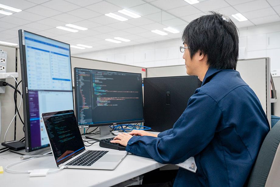 新卒採用:職種紹介:理工系 - 社内ITシステム開発|採用情報|任天堂